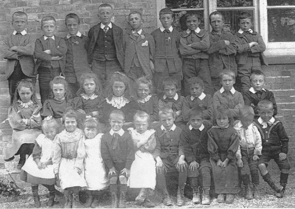 Kettlebaston School 1902 group photograph